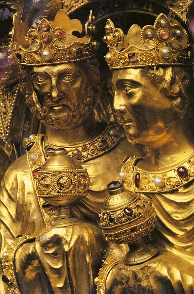 Der Koelner Dreikoenigsschrein wird im Trimester 1 der Winckelmann Akademie fuer Kunstgeschichte Muenchen besprochen.